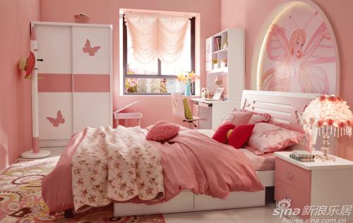 衣柜采用粉色与白色搭配,是公主范儿的经典配色,搭配其他同主题的床
